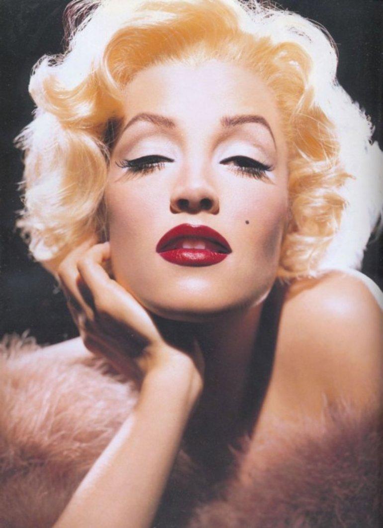 Lisa as Marilyn