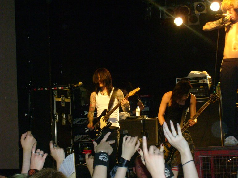 Dir en grey live in Berlin guitar and basguitar von yukke88
