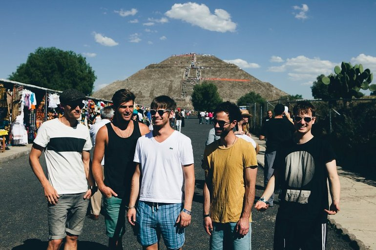 Foster The People in Teotihuacan, México.