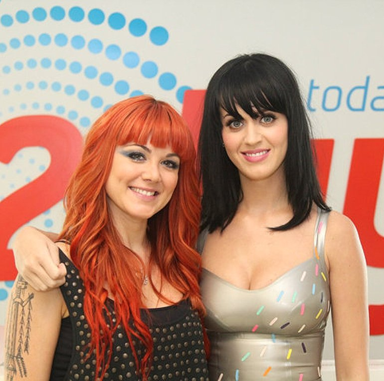 with Katy Perry in 2day Rooftop Party (2010)
