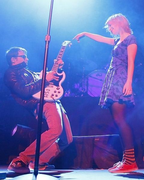 Weezer & Hayley Williams