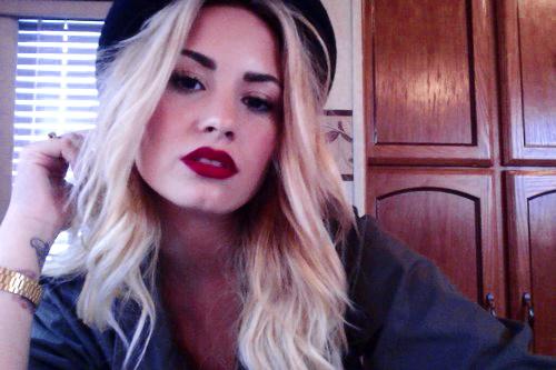 hhDemi Lovato - artist photos