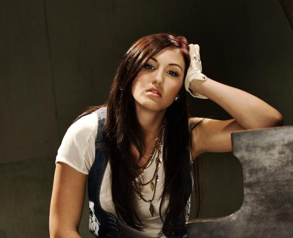 Alyssa Reid Lyrics, Music, News and Biography   MetroLyrics