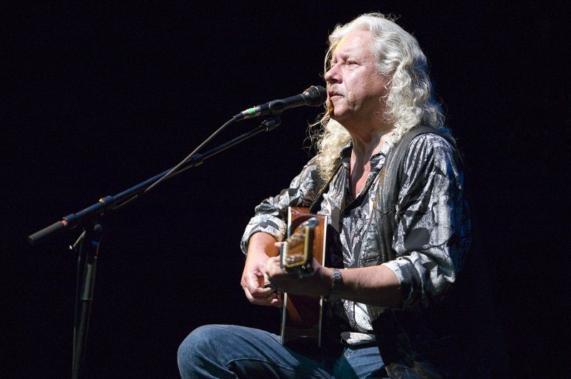 an introduction to the life of arlo guthrie a singer and songwriter from brooklyn Woodrow wilson woody guthrie (july 14, 1912 – october 3, 1967) is best known as an american singer-songwriter.