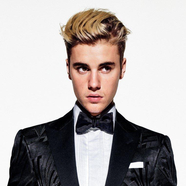 Justin Bieber - Mistletoe Lyrics | MetroLyrics
