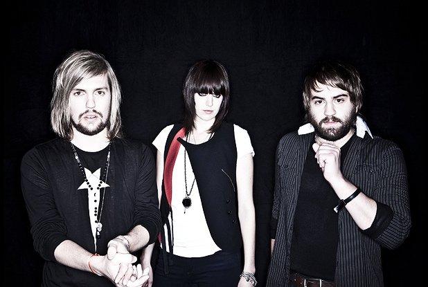 Band Of Skulls - Bruises (lyrics) Band Of Skulls - Bruises ...