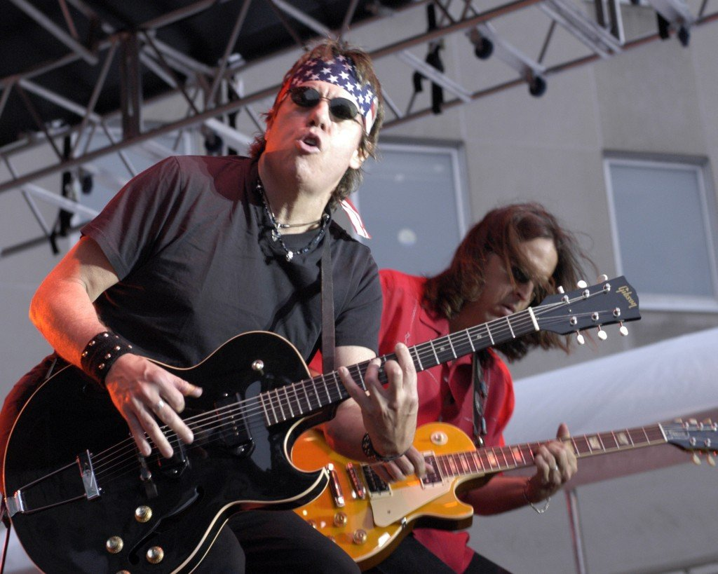 George Thorogood Lyrics Music News And Biography Metrolyrics
