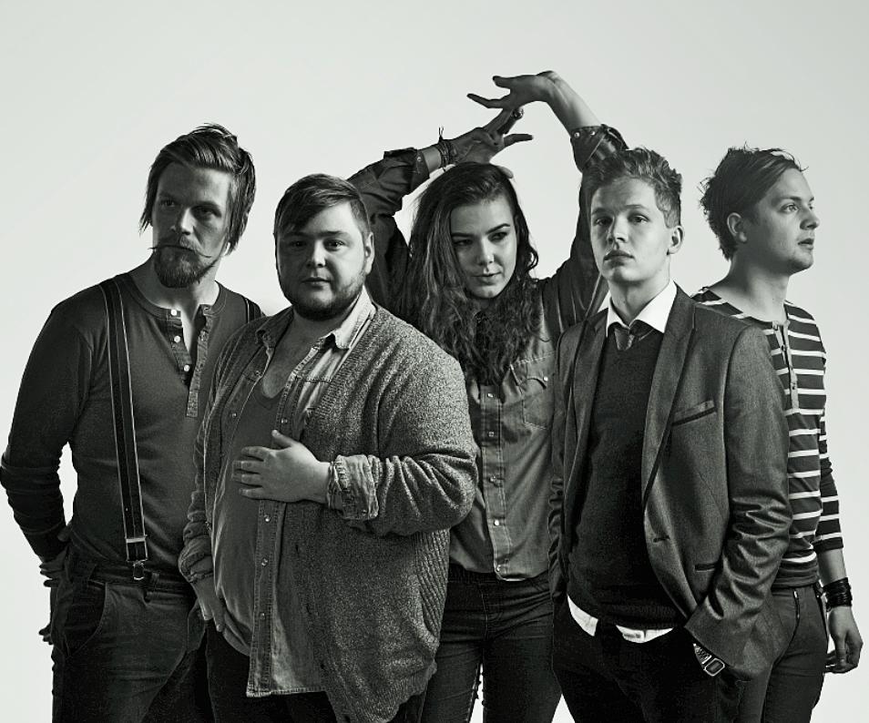 of monsters and men O of monsters and men foi formado na islândia em 2010, originário do songbird, um projeto solo da vocalista nanna bryndís hilmarsdóttir nanna recrutou ragnar.