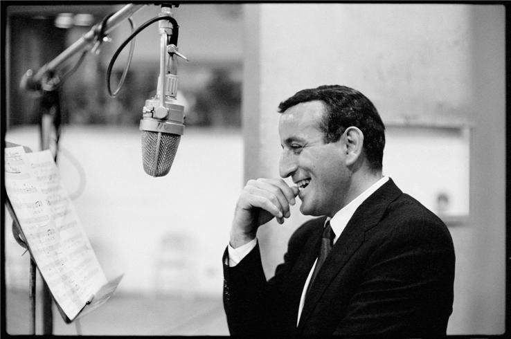 Tony Bennett Lyrics, Music, News and Biography | MetroLyrics