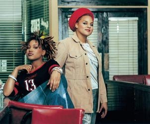 Floetry Song Lyrics | MetroLyrics