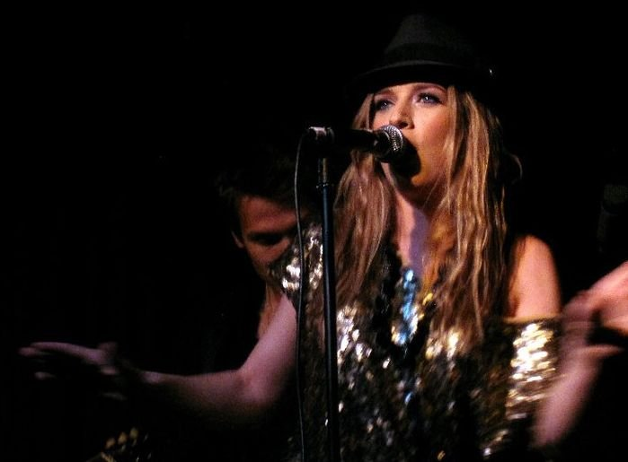 ZZ Ward - Help Me Mama (Official Video) - YouTube