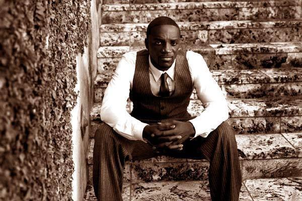 Akon - Right Now Lyrics | MetroLyrics