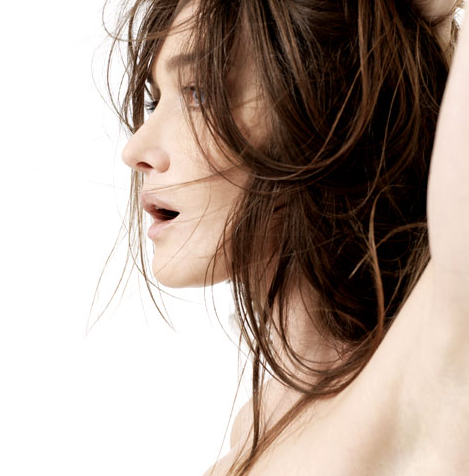 Carla bruni song lyrics metrolyrics for Carla bruni le ciel dans une chambre