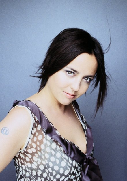 Ariane Moffatt Song Lyrics Metrolyrics