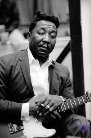 mud morganfield love to flirt Son of the seventh son larry mud morganfield is the oldest son of muddy waters and bears a striking resemblance to son of the seventh son love to flirt.