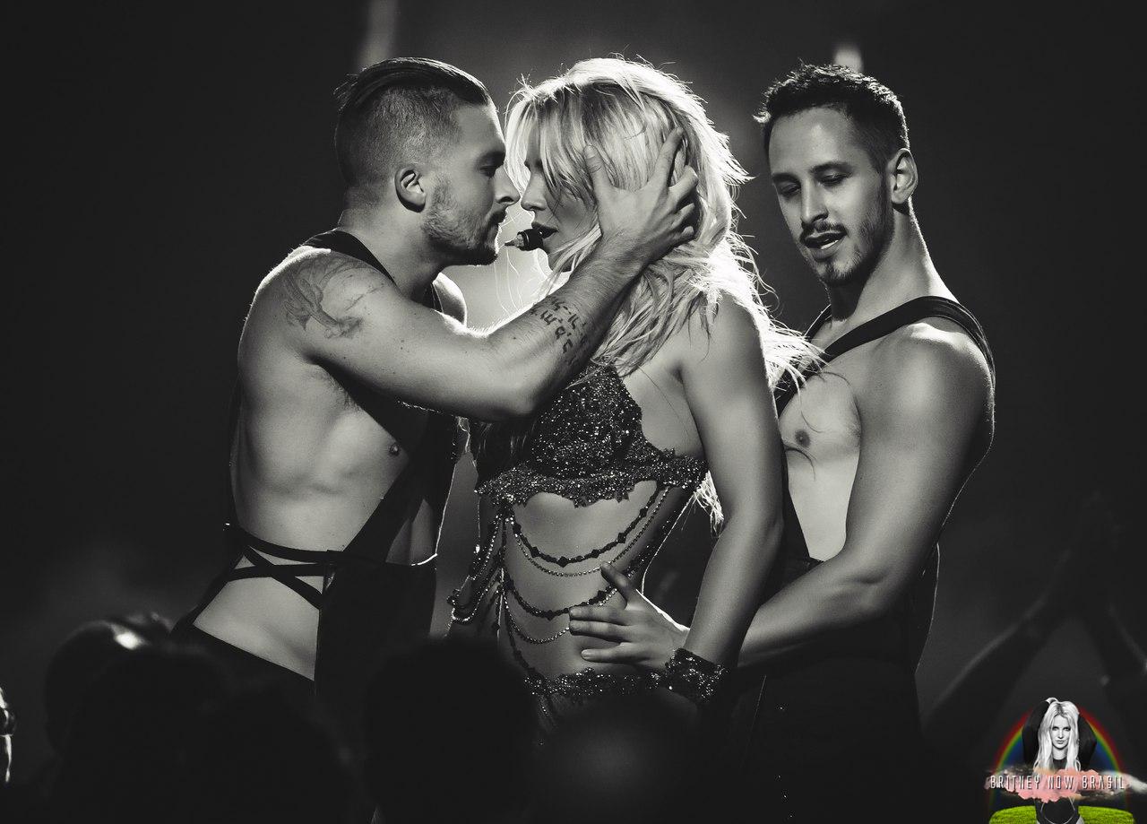Britney Spears - 3 Lyrics | MetroLyrics