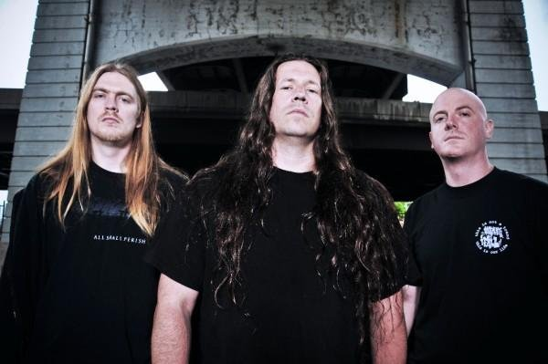 Dying fetus pissing in the mainstream right!