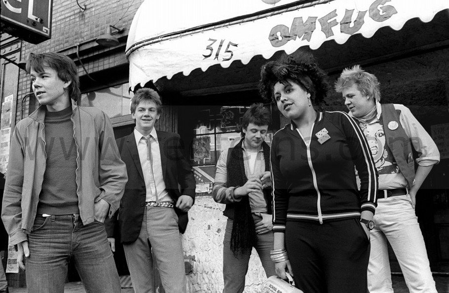 X-Ray Spex - I Am A Cl...