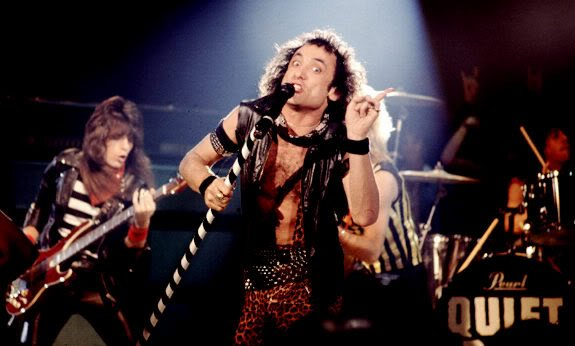 Quiet riot cum on feel the noize — photo 11