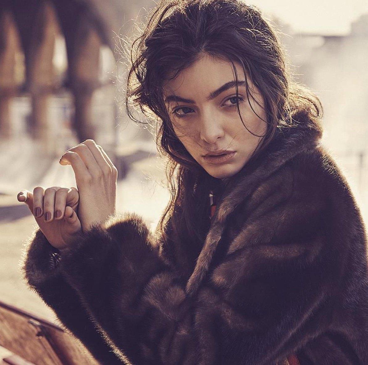 Lorde News | MetroLyrics