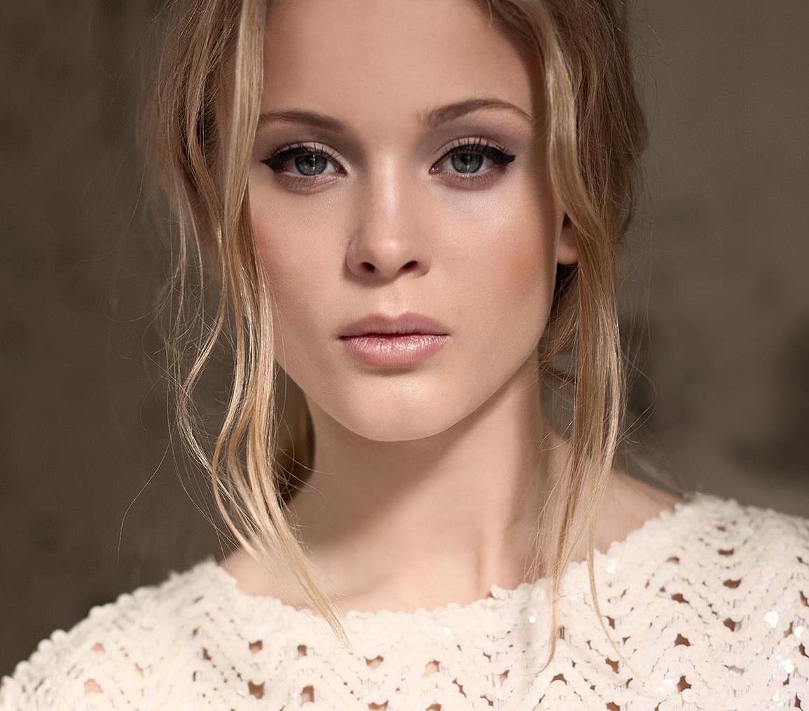 Zara Larsson Pictures | MetroLyrics