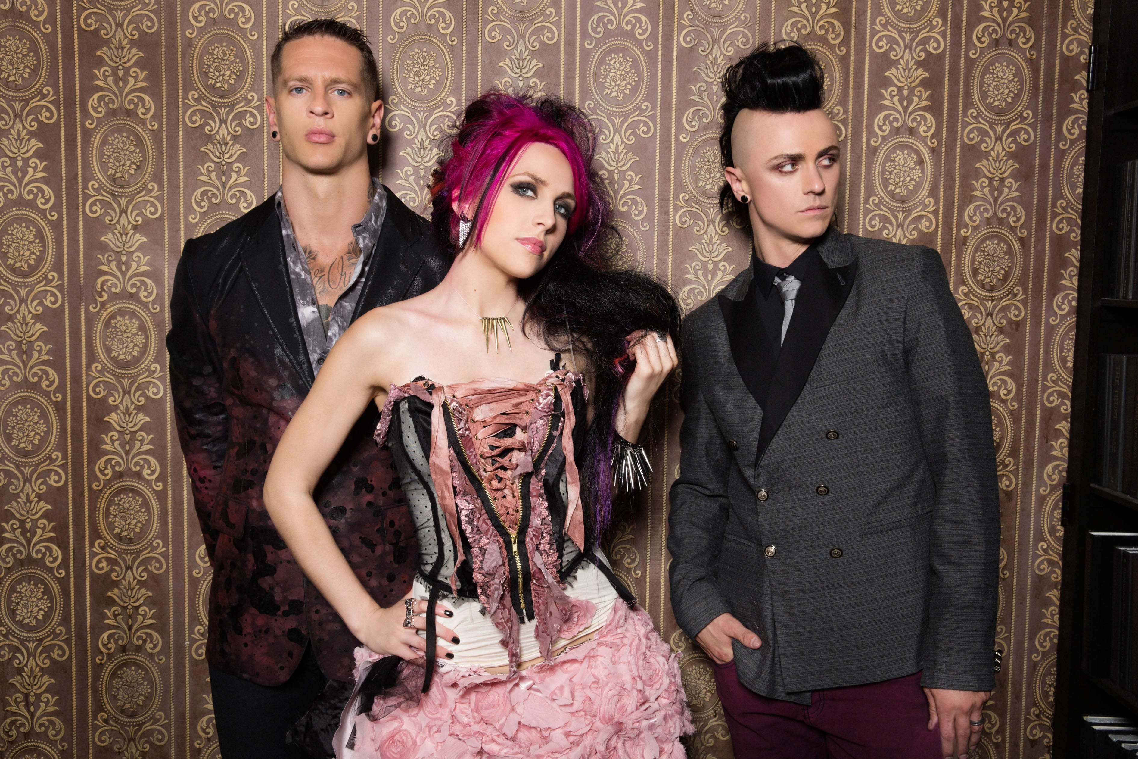 Icon For Hire Off With Her Head Lyrics Metrolyrics