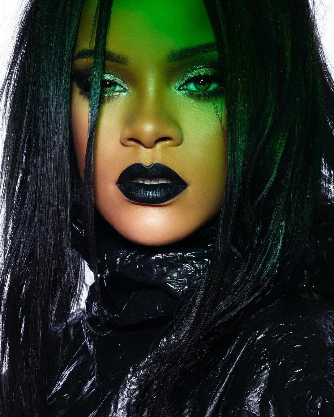 Rihanna Pictures | MetroLyrics Rihanna