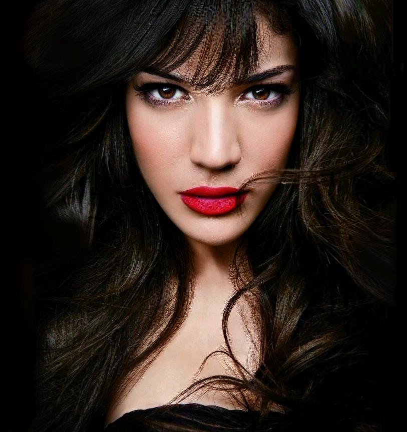 Ivi Adamou Pictures | MetroLyrics