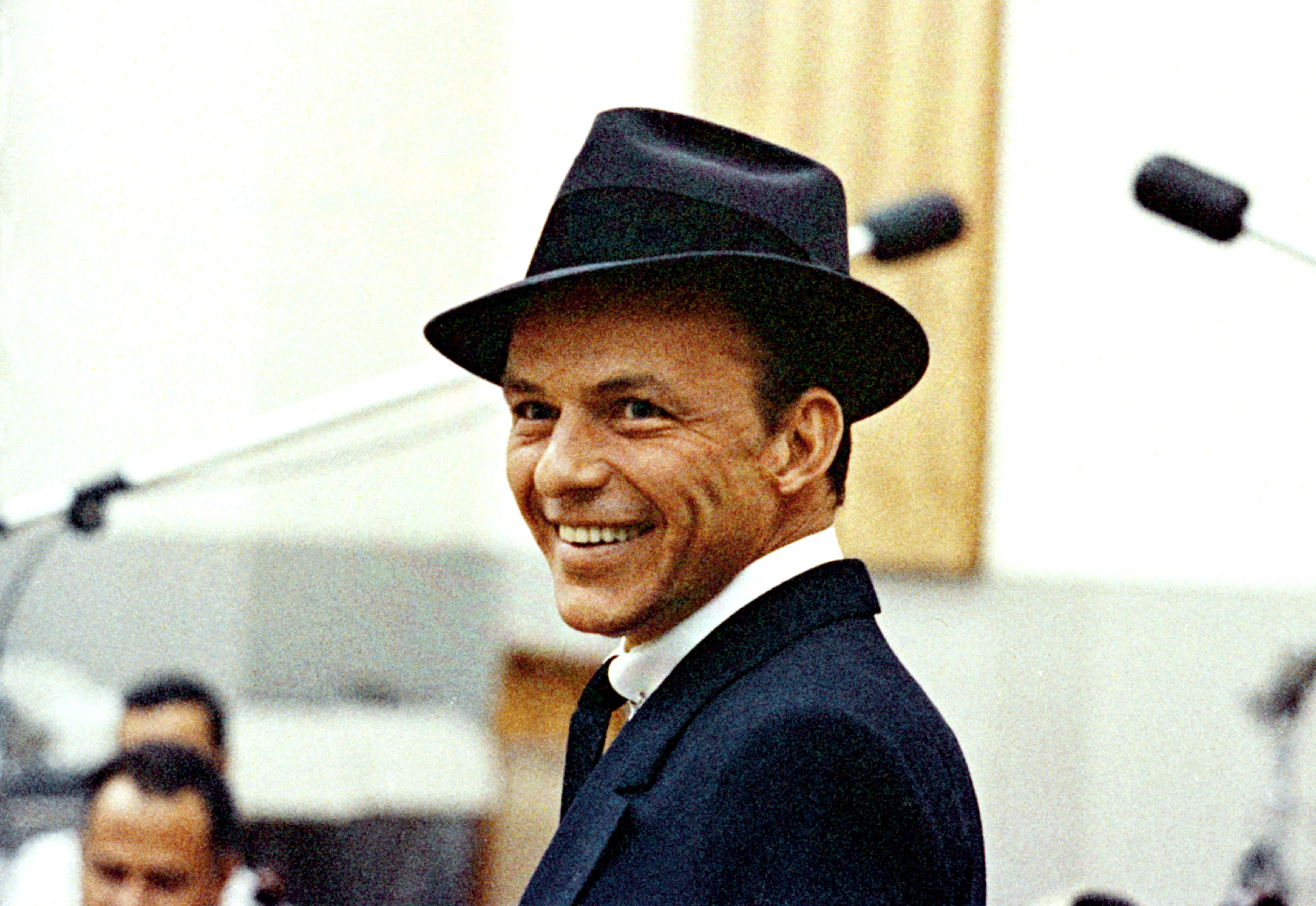 hhfrank sinatra artist photos - Have Yourself A Merry Little Christmas Frank Sinatra