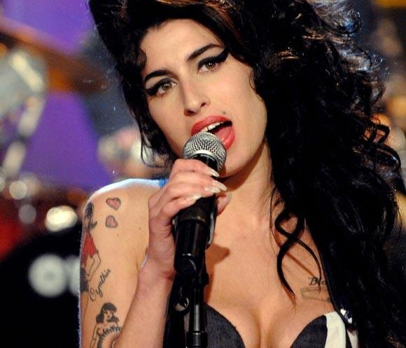 hhAmy Winehouse - artist photos