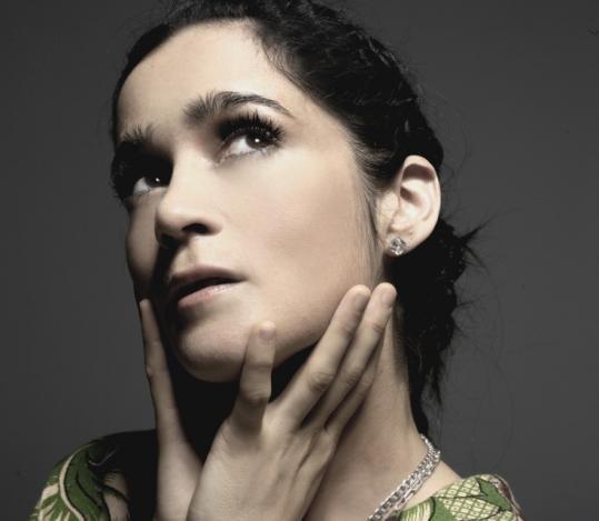 Andar Conmigo Lyrics - Julieta Venegas | Lyricscode