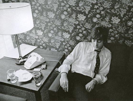 hhJohn Lennon - artist photos