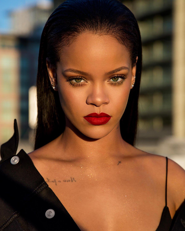 Rihanna Pictures   Met... Rihanna Songs