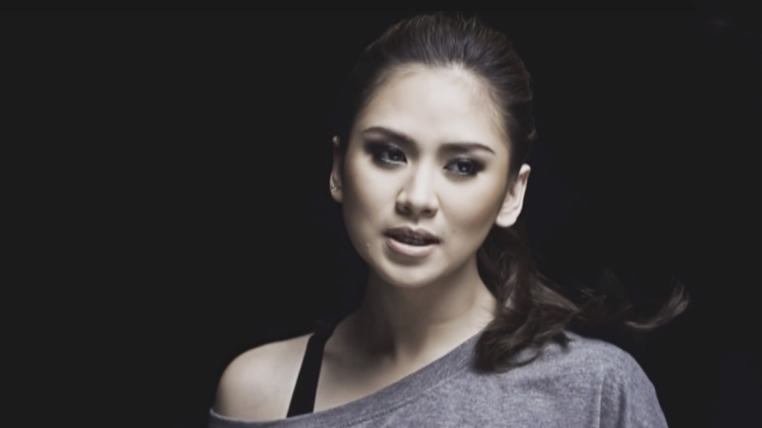 Watch Sarah Geronimo (b. 1988) video