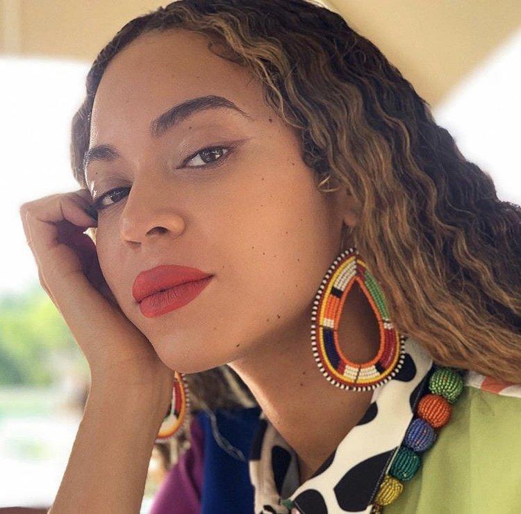 Beyonce Knowles - Broken-Hearted Girl Lyrics