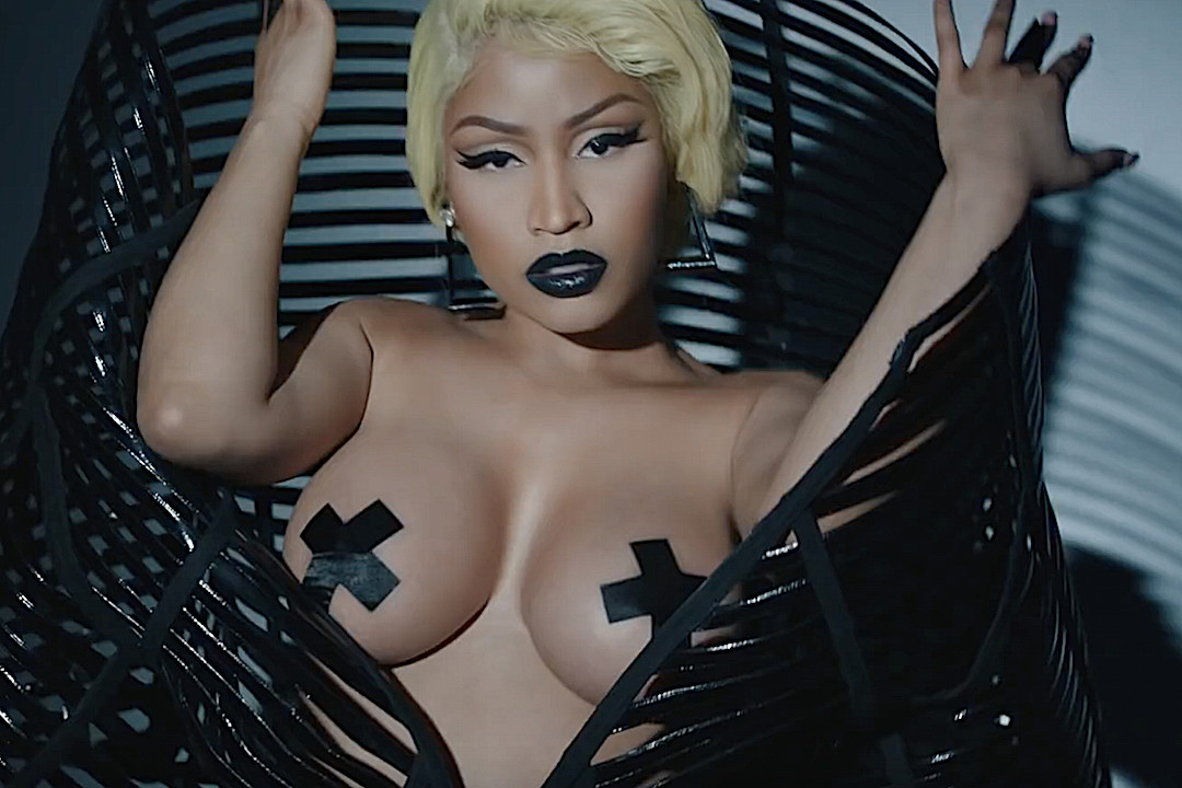 nicki minaj latest images naked