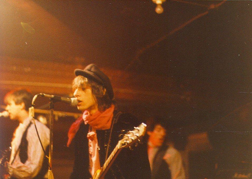 Johnny Thunders - I Wanna Be Loved Lyrics   MetroLyrics