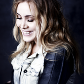 Anouk PNG