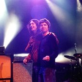 The Black Crowes feat Noel Gallagher & Gem Archer