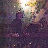 психоделическая барабанщица