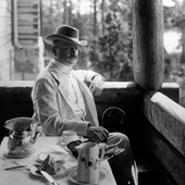 Jean Sibelius at his home in Finland in 1907