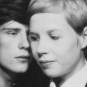 Stuart & Astrid