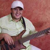 Кирилл Канюшик (Kiribass) - басист.