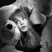 Arielle Dombasle (PNG)