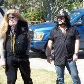 D.A.C. & Vinnie Paul before the Guitar World Shoot