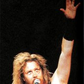 james alan hetfield on stage