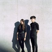 Liz & László