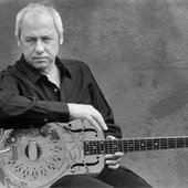 Knopfler and his Dobro