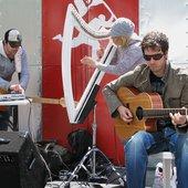 performing at F'estival sur la Main