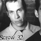 screw32
